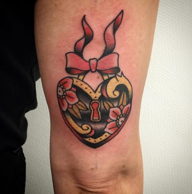 Heart by Pip Tattoos, Belgium. Photo: Instagram.