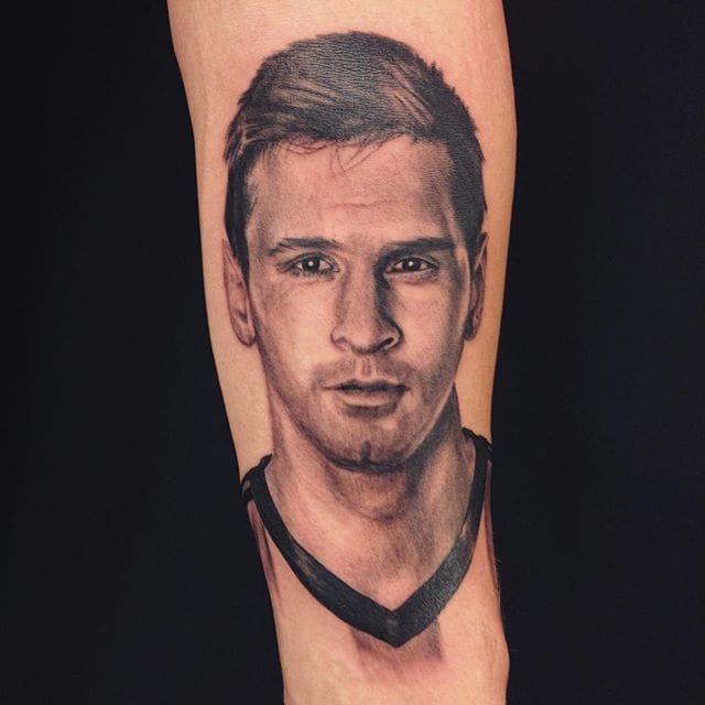 Messi Tattoo by Vinnie Stones