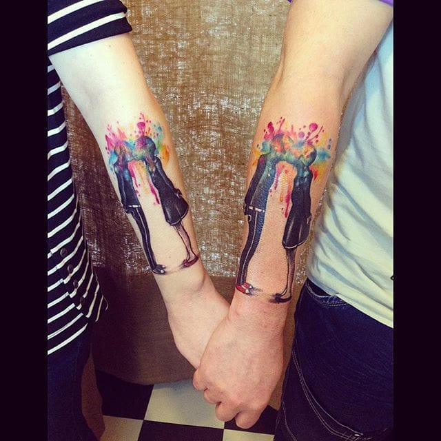 Beautiful tattoo by @sol_keyboard/Instagram #watercolor #coupletattoo #couple