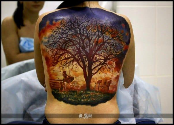 Amazing tree back tattoo. Photo: vk.com.