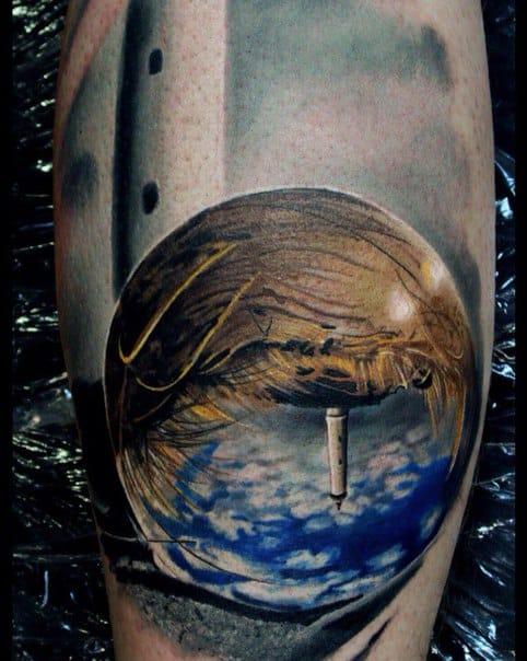 Inventive lighthouse tattoo. Photo: vk.com.
