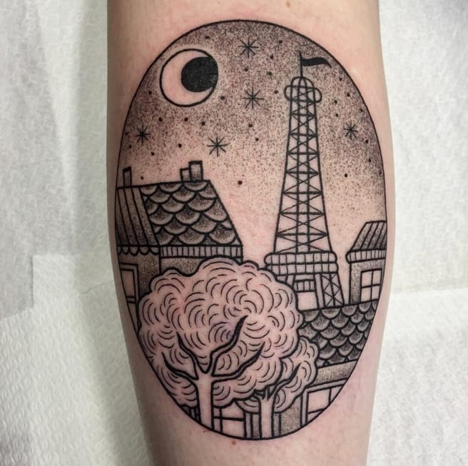 Starry Paris evening tattoo by by Valeria Marinaci. Photo: Instagram.