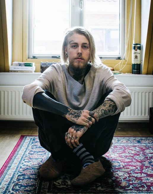 Black sleeve tattoo on Sven Signe den Hartogh, photo from Sven's Instagram. #sleeve #blackout #allblack #trend