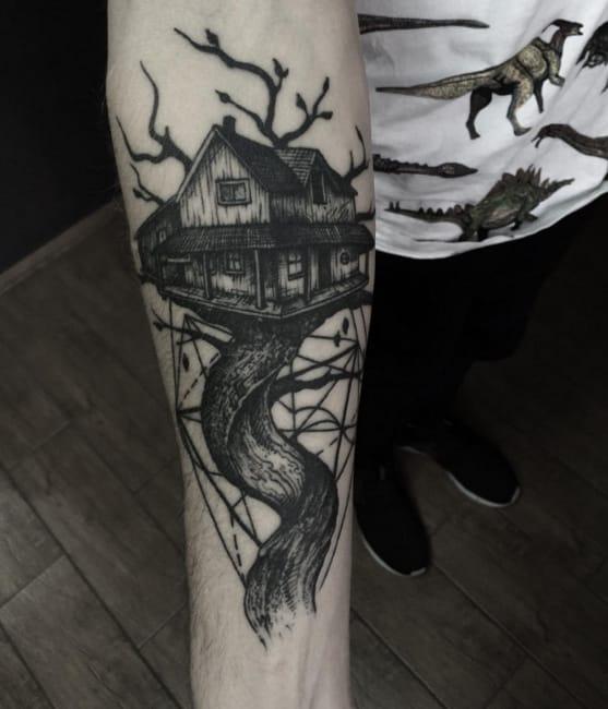 Treehouse tattoo by #DmitriyTkach. Photo: Instagram.