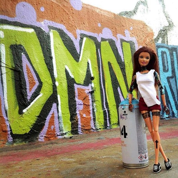 Can you believe she's painted that all by herself... ;-) Photo: VK.com.
