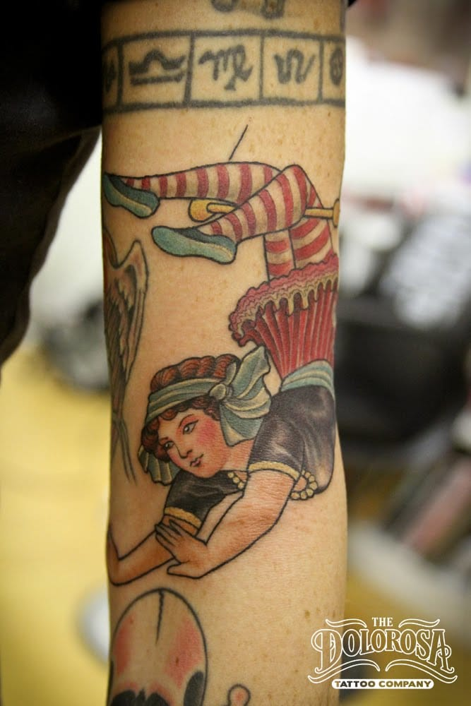 Love this trapeze artist in vintage illustration style by Chris Paez at the Dolorosa Studio City Tattoo.