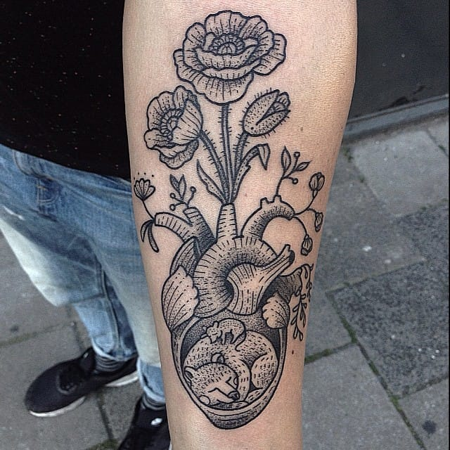 Nature inspired anatomical heart tattoo #SusanneKönig