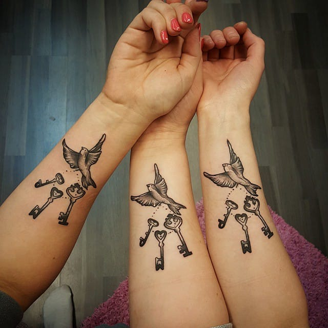 Beautiful dove and key tattoos one for each sibling #dove #key #sisters