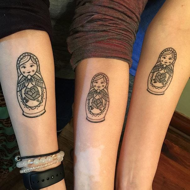 Traditional Matryoshka Russian doll tattoos in different sizes are also cool sister tattoos #sister #matryoshka #russiandoll