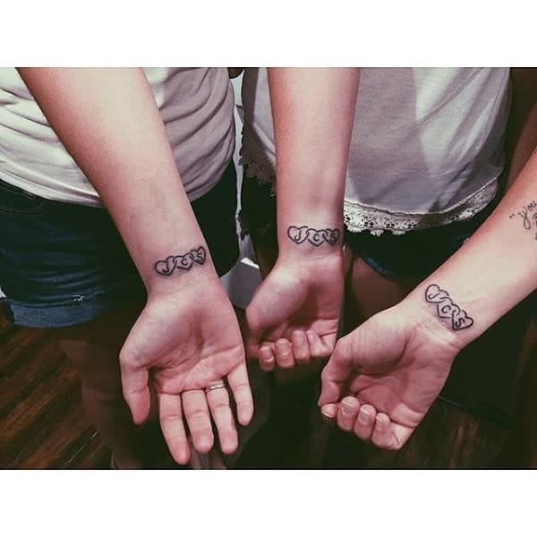 Cute heart and initial tattoos are sweet #initials #sisters