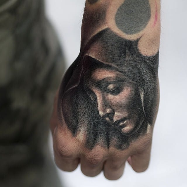 Gorgeous hand tattoo...#JulienThibers