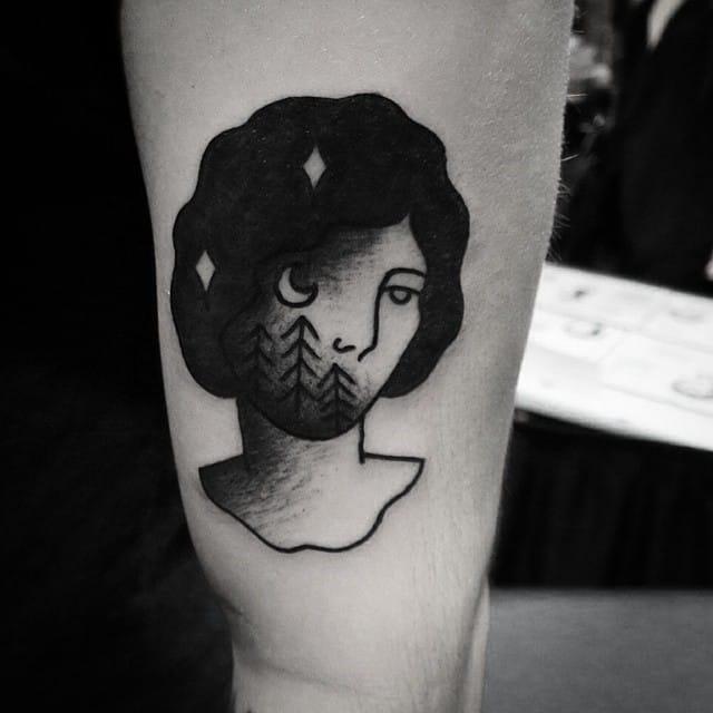 Somber lady tattoo #MurieldeMai