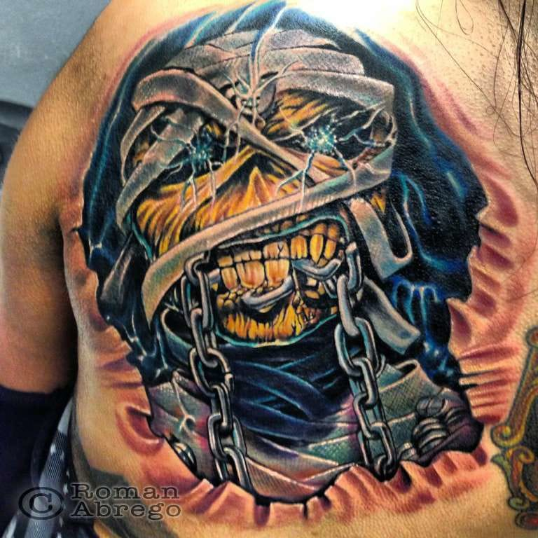 Stunning detail on the Powerslave tattoo by Roman Abrego