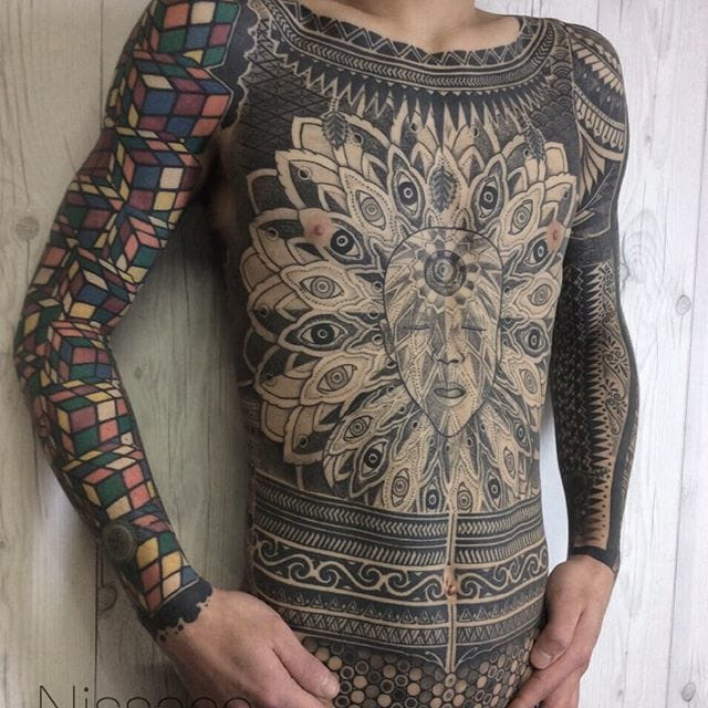 Insane torso tattoo by Nissaco, check out the details!!