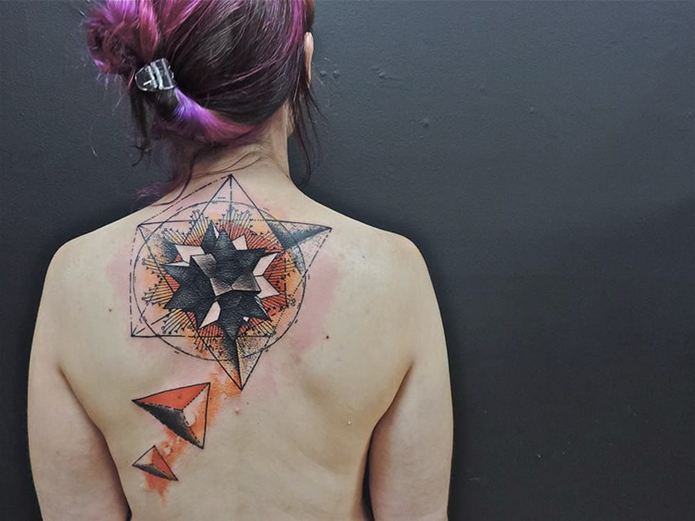 Geometry tattoo by another skilled French artist, Toko Lören. #geometric #geometry #lines #linework