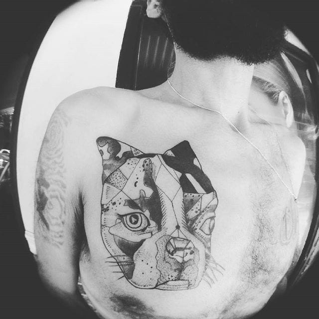 Cubism on this French Bulldog, by @willtattooart
