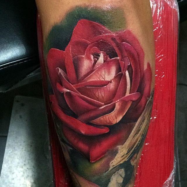 Rose tattoo by John Barrett #JohnBarret #rosetattoo #realistic #traditional