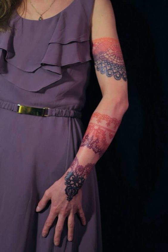 Great effect for lace tattoos too #Dodie #ombrétattoos #lacetattoos