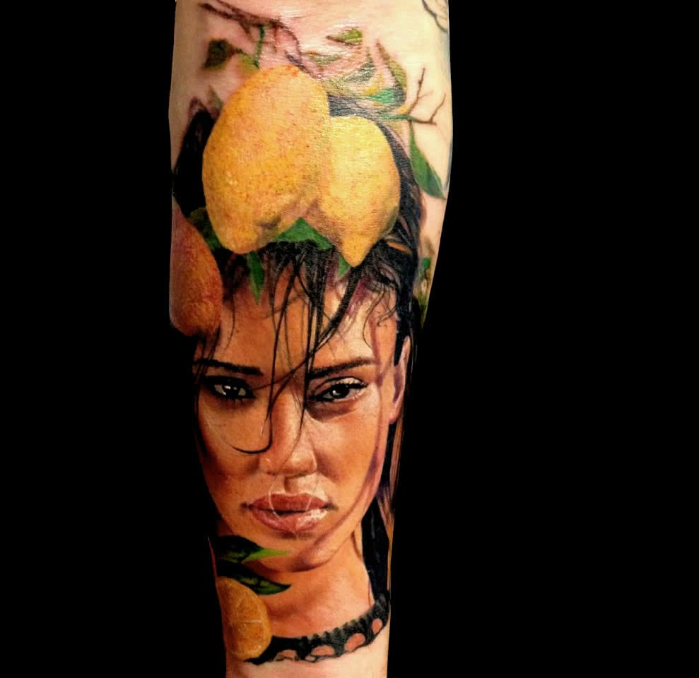 Is that Jessica Alba? #AlexdePase #lemontattoos #realistictattoos