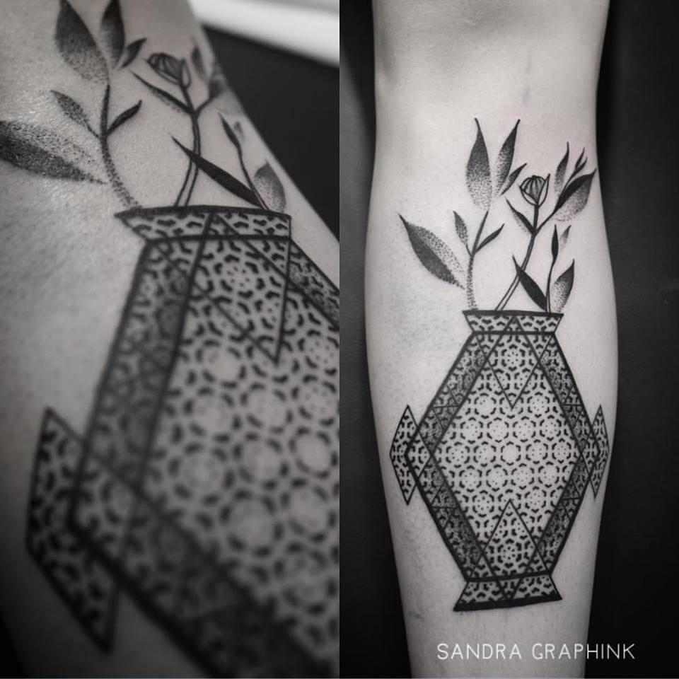 Creative tattoo #vasetattoos #SandraGraphInk #dotwork