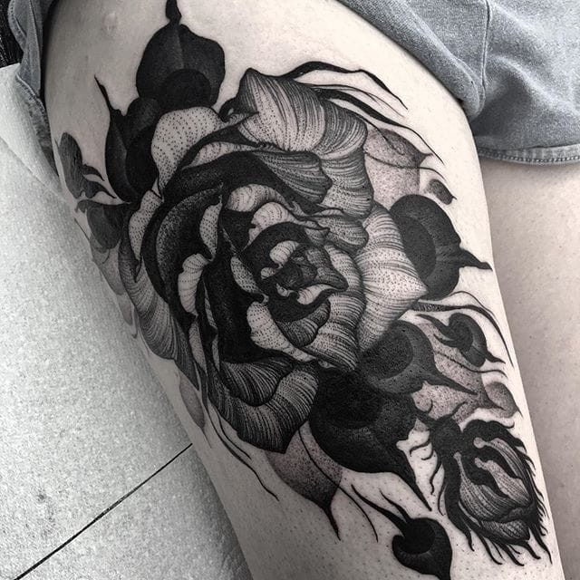 Awesome rosetattoo by Kelly Violet. Instagram: @kellyviolence