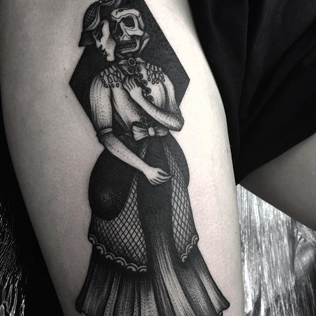 Skull lady tattoo by Kelly Violet. Instagram: @kellyviolence