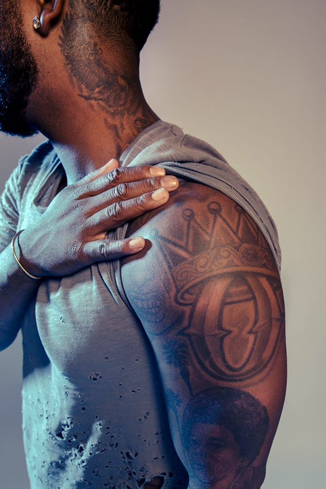 R b artist omarion gives an insight on his tattoos tattoodo for Single needle tattoo artists near me