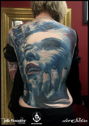 MUITO SINISTRA! Fechamento de costas!!! #pretoecinza #black&grey #realismo #talentogringo #alemanha #tattoodo #brasil #brazil #portugues #portuguese