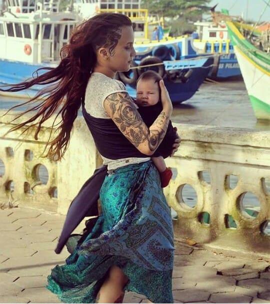 Rayane Caroline e sua filhota! #diainternacionaldamulher #tatuadorasbrasileiras #talentonacional #rainhasdatattoo #brasil #brazil #portugues #portuguese