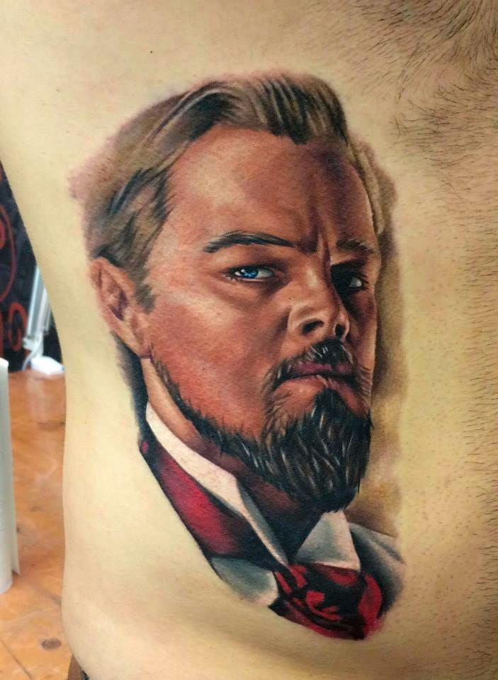 Joe Carpenter é o tatuador por trás dessa arte com nosso DiCaprio! #realismo #realismocolorido #atoresdehollywood #atores #tatuagensdefilmes #nerd #brasil #brazil #portugues #portuguese