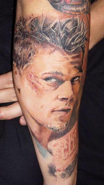 Alexander Pashkov e o Clube da Luta. Brad Pitt #realismo #realismocolorido #atoresdehollywood #atores #tatuagensdefilmes #nerd #brasil #brazil #portugues #portuguese