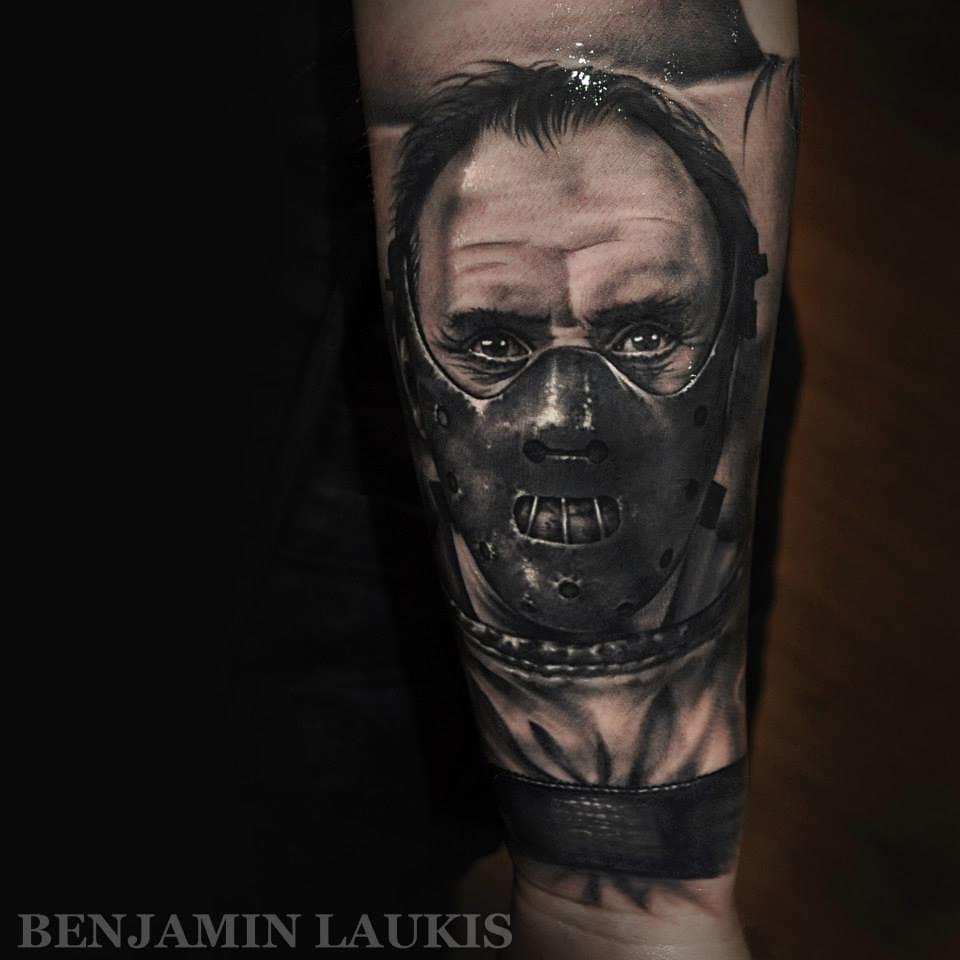 Hannibal de Benjamin Laukis #realismo #realismopretoecinza #blackwork #atoresdehollywood #atores #tatuagensdefilmes #nerd #brasil #brazil #portugues #portuguese