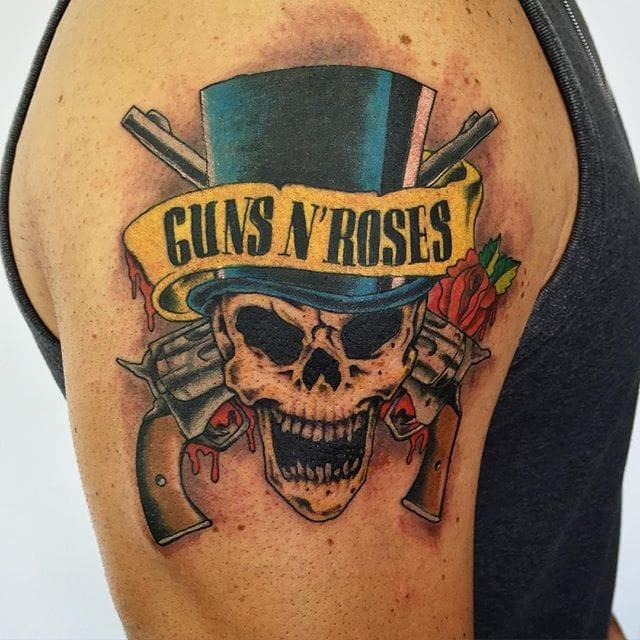Guns N'Roses Skull Tattoo by Janderson Tattoo #gunsnroses #music #jandersontattoo