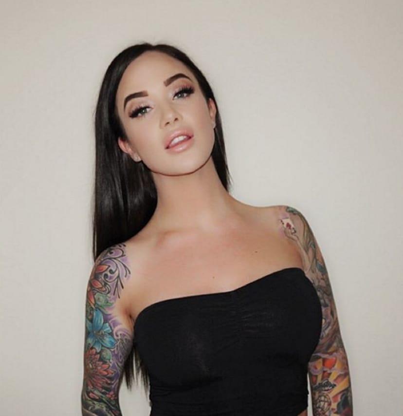 (@jessicawilde) #TattoodoBabe