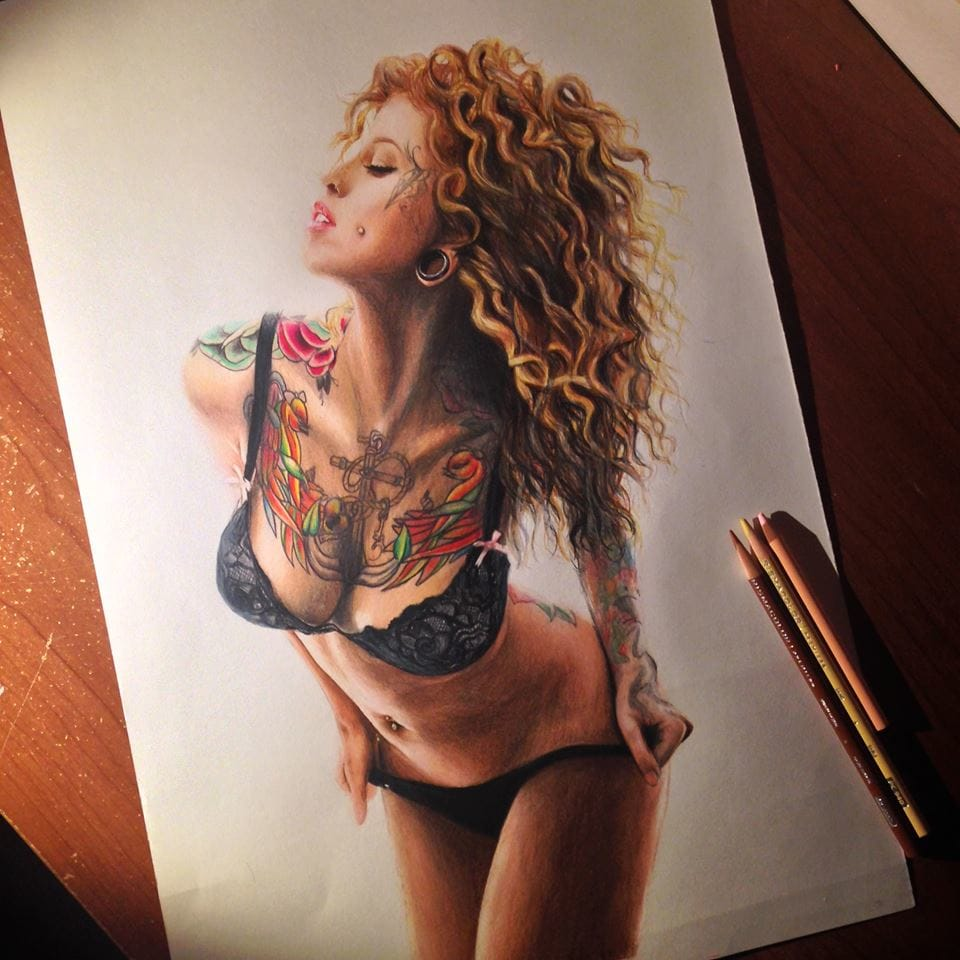 Artist Ennife Does 3D Drawings And Sexy Tattooed Ladies