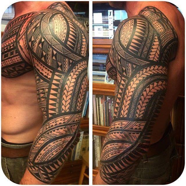 Geometric full sleeve by Jeroen Franken (@jeroenfranken) #JeroenFranken #fullsleeve #geomeric #blackandgrey