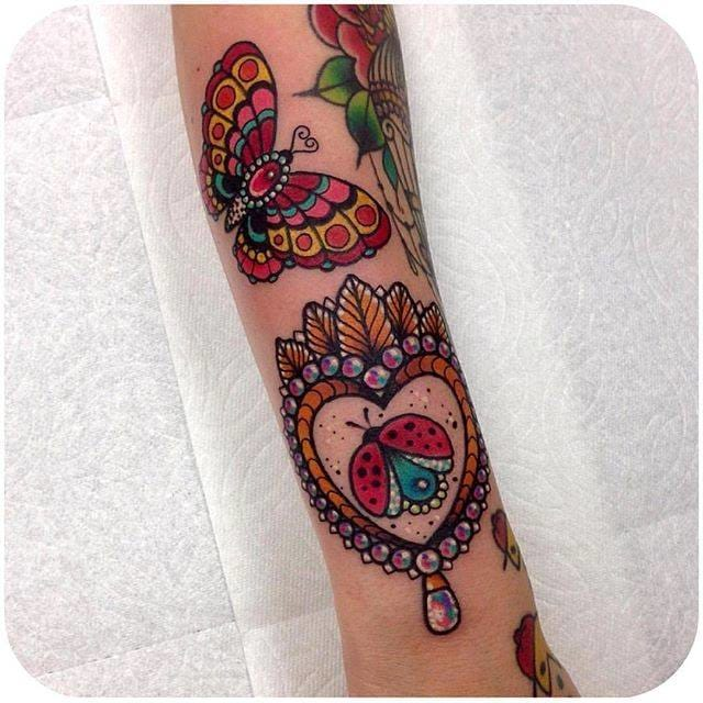 Colorful butterfly and ladybug tattoos (@goldlagrimas) #RobertoEuán #butterfly #ladybug