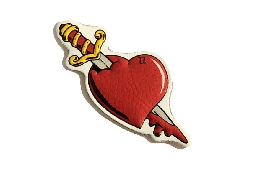 Delicatezzen's luxury heart sticker #heartsticker #luxurystickers #tattooinspired #italianbrand #Delicatezzen