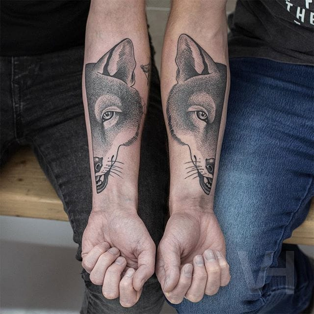 Friendship foxes by Valentin Hirsch #ValentinHirsch #symmetrical #friendshiptattoo #foxtattoo