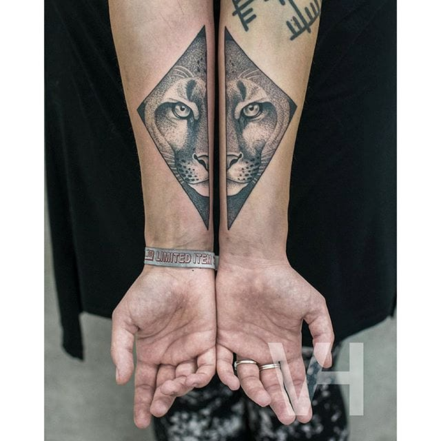 Symmetrical tattoo by Valentin Hirsch #ValentinHirsch #symmetrical