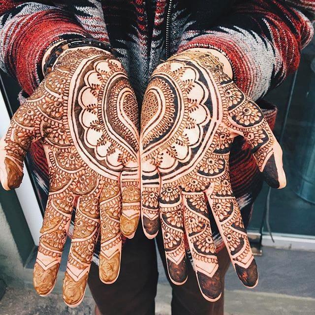 Amazing henna design / Source: Instagram @alya_henna #hennatattoo #henna #temporarytattoo #hennadesign