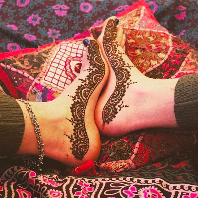 Henna design on the foot by Matilda Durant via Instagram @henna__designs_  #hennatattoo #henna #temporarytattoo #hennadesign #MatildaDurant