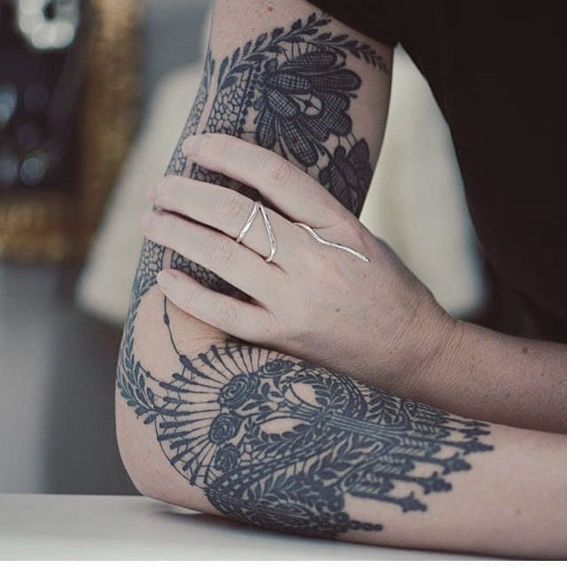 Bold Blackwork Tattoos By Delphine Noiztoy