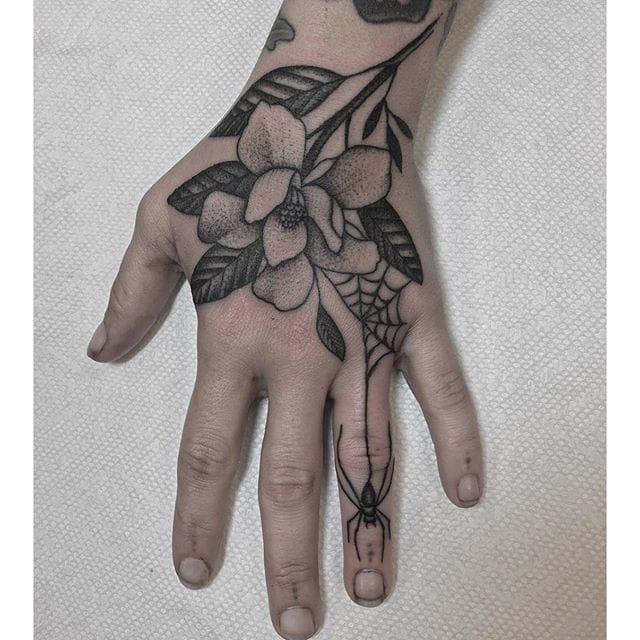 11 Pretty Floral Tattoos By Justin Oliver