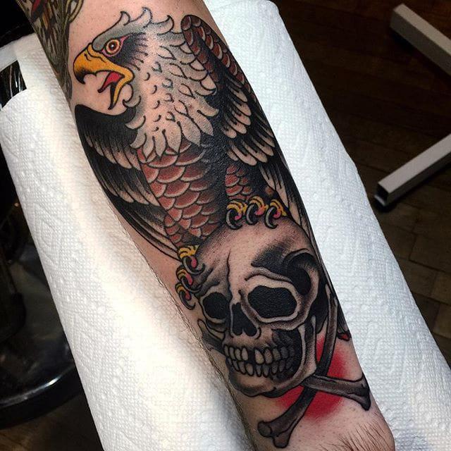 Eagle, Skull, yes please #eagle #skull #traditionaltattoo #grez