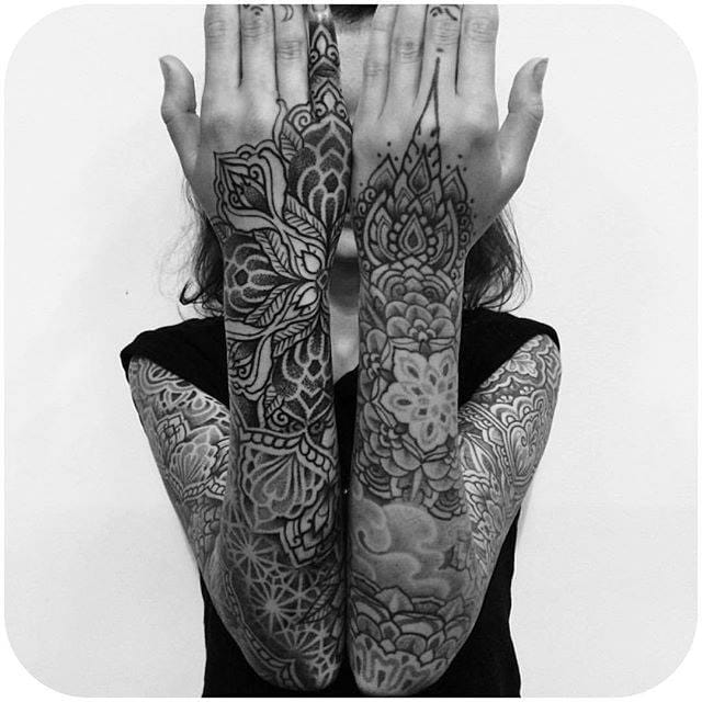 Shoulder to fingers... (Instagram: @alvaroflorestattooer) #mandala #sleeve #blackwork #alvaroflores