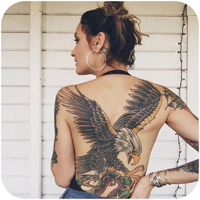 (Instagram: @meg_girard) #TattoodoBabes