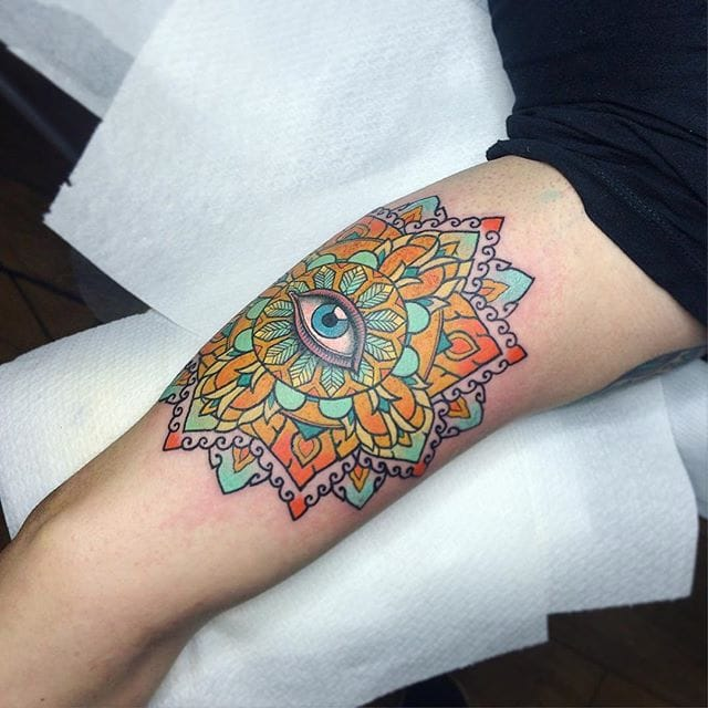 Mandala by Flo Nuttall #colorful #mandala #flonuttall