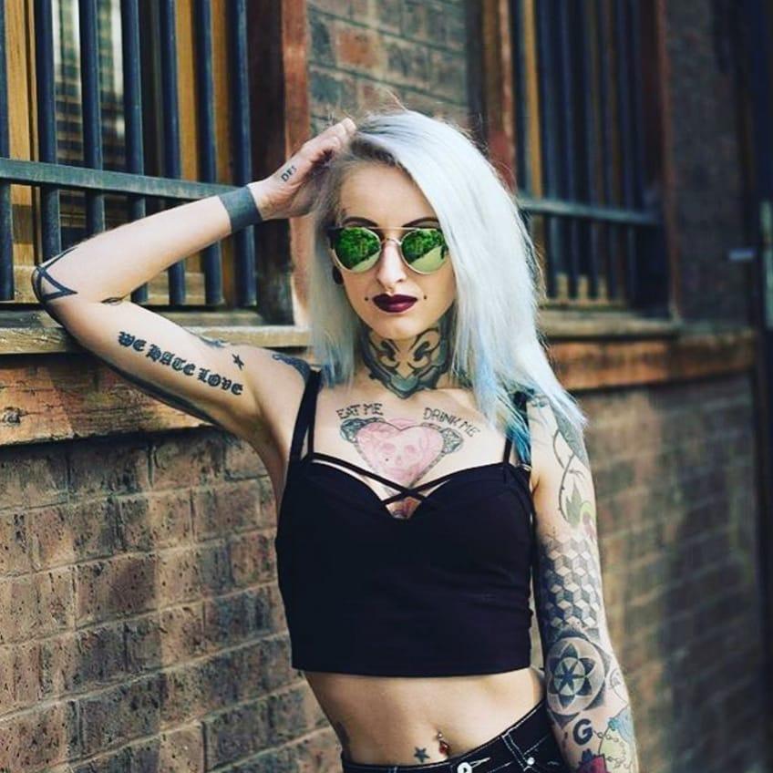 (@gladycesgh) #tattoodobabe #babe #tattoo #girl