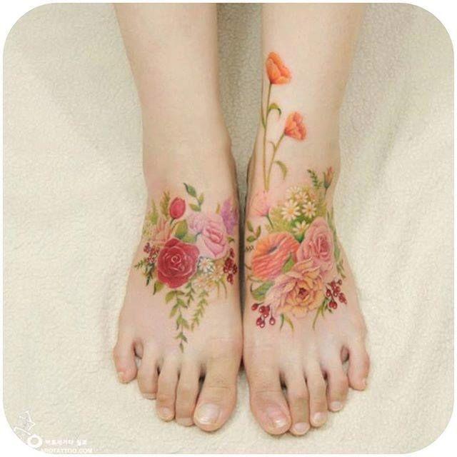 Flowery feminine foot tattoos. (Instagram: @tattooist_silo) #feminine #flower #foottattoo